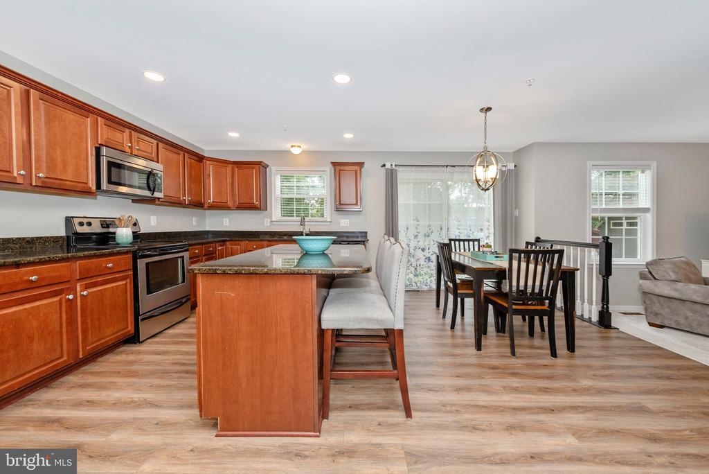 Patio off of kitchen - 10303 ILIAMNA CT, NEW MARKET