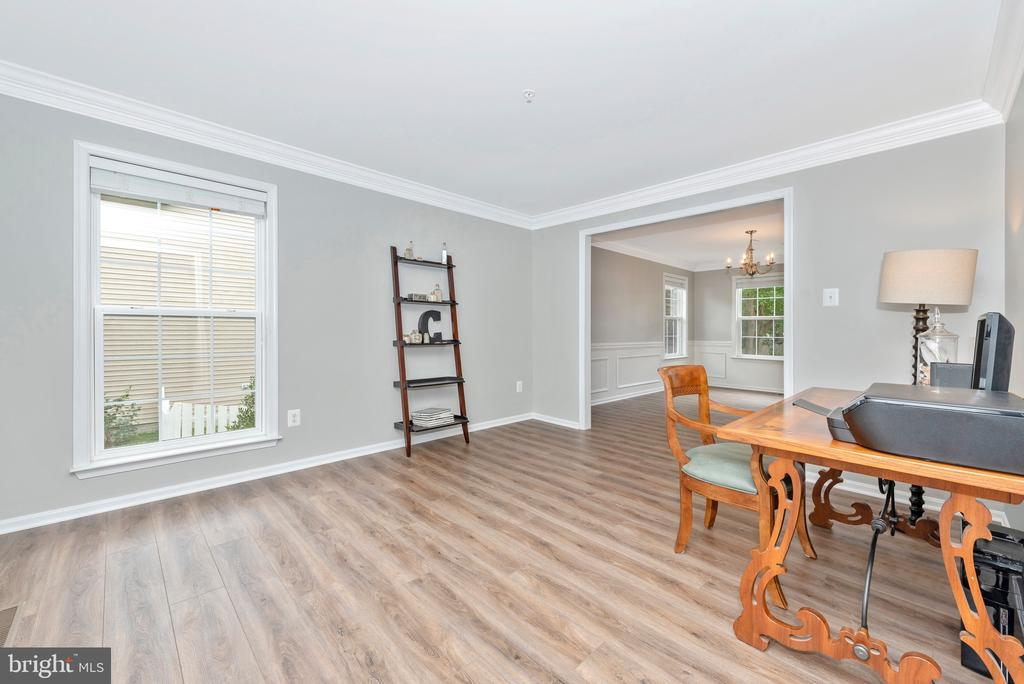 Front room/office/playroom - 10303 ILIAMNA CT, NEW MARKET