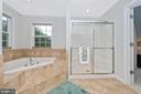 soaking tub with ceramic tile - 10303 ILIAMNA CT, NEW MARKET