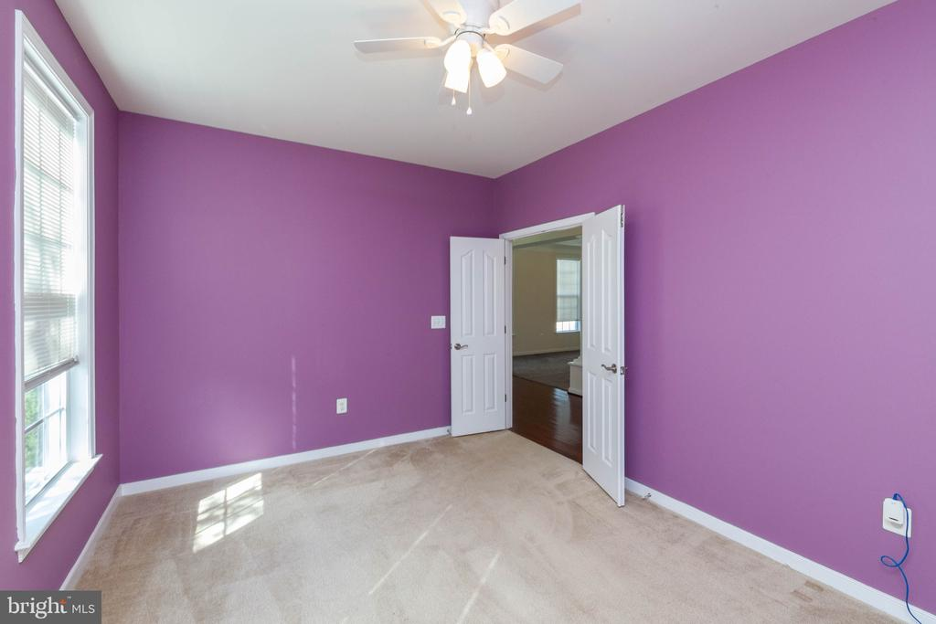 Front office or play room - 11 DARDEN CT, STAFFORD