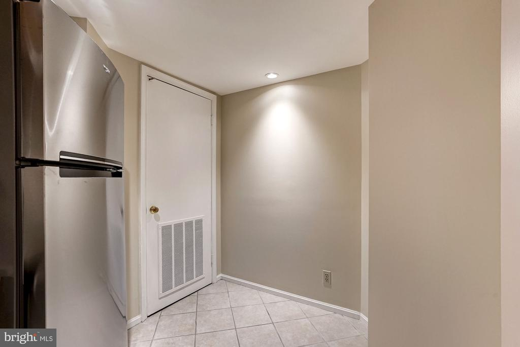Mechanical closet and niche for storage - 2100 LEE HWY #224, ARLINGTON