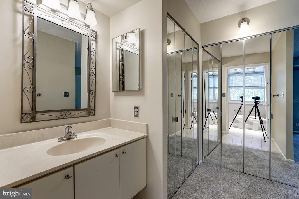 Two nice-sized closets in master bath - 2100 LEE HWY #224, ARLINGTON