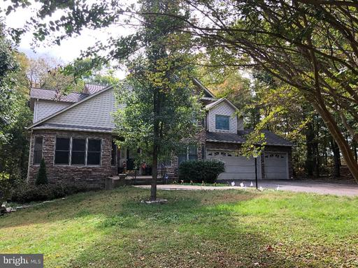 105 COLONIAL CT