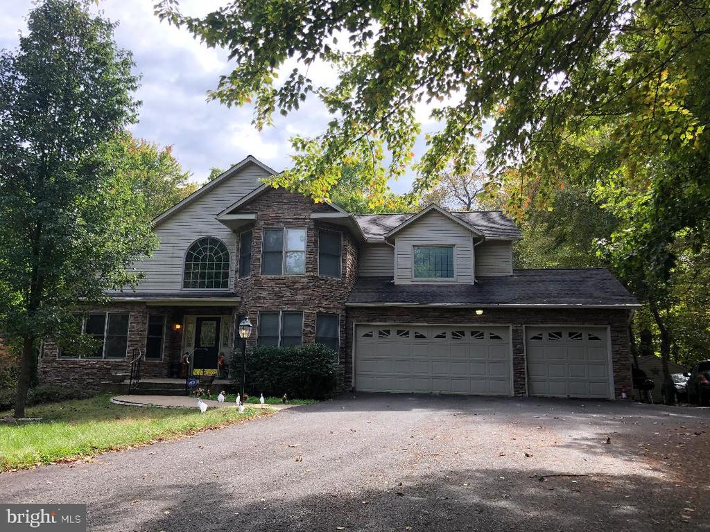 - 105 COLONIAL CT, LOCUST GROVE