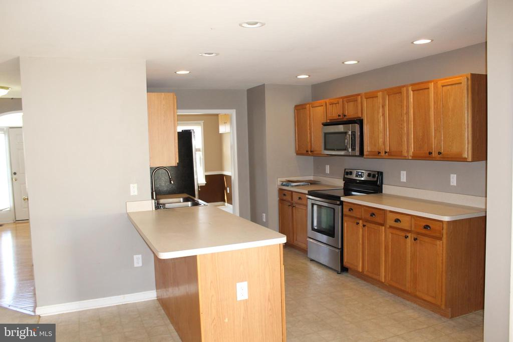 - 17271 EASTER LILY MEWS, RUTHER GLEN