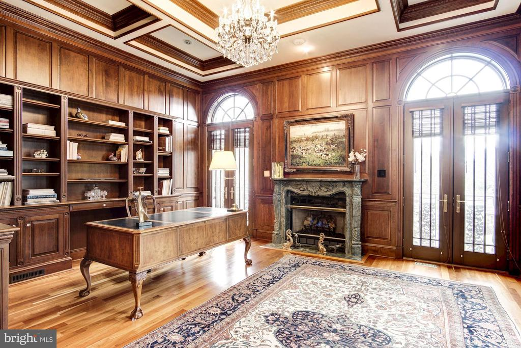 Library with fireplace - 3036 WOODLAND DR NW, WASHINGTON
