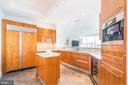 Beautiful, spacious kitchen. - 1881 N NASH ST #1902, ARLINGTON
