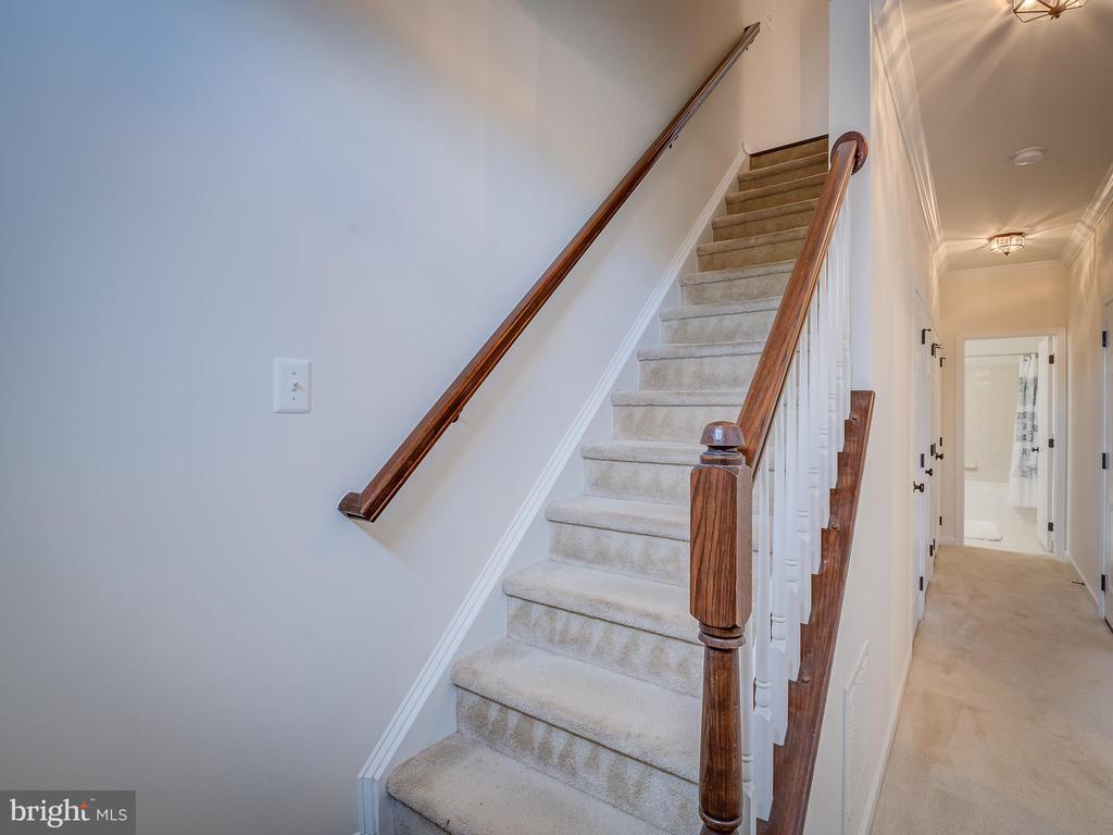 ENTRY - 43092 CENTER ST #4G, CHANTILLY