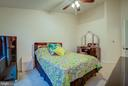 UPPER LEVEL DUAL MASTER W/ VAULTED CEILING - 43092 CENTER ST #4G, CHANTILLY