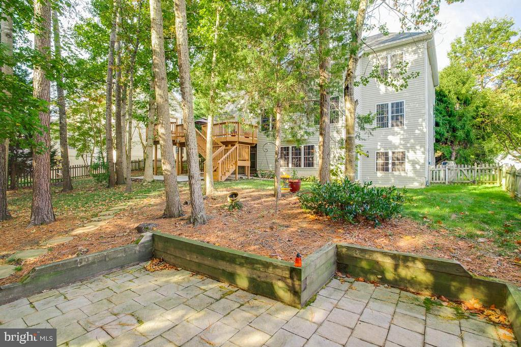 Peaceful patio in shaded back yard - 3 BULLRUSH CT, STAFFORD