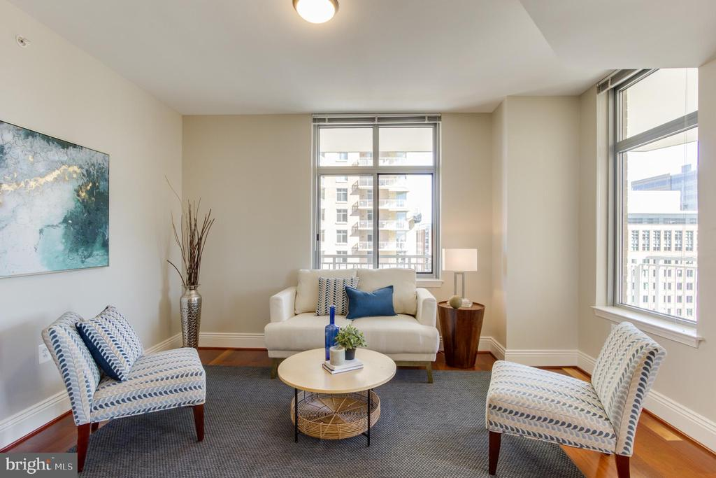 Family Room - 11990 MARKET ST #1112, RESTON