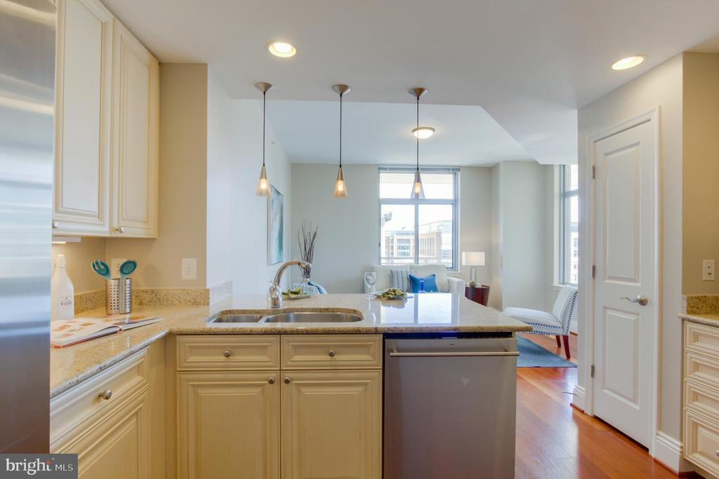 Kitchen - 11990 MARKET ST #1112, RESTON