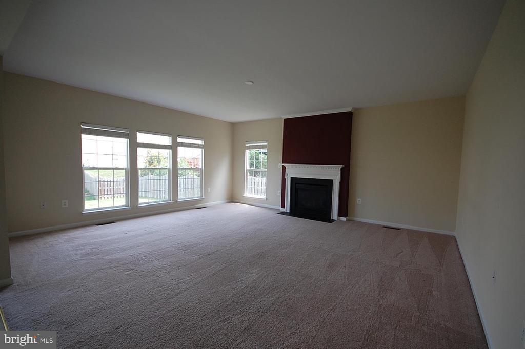 Family Room - 106 ROY CT SE, LEESBURG
