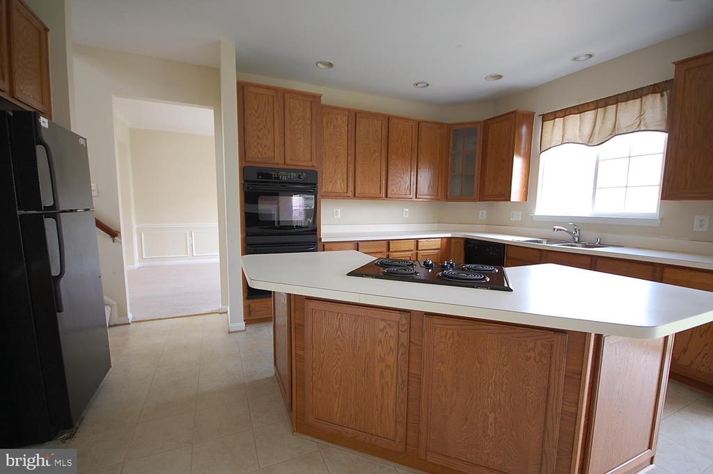 Kitchen - 106 ROY CT SE, LEESBURG