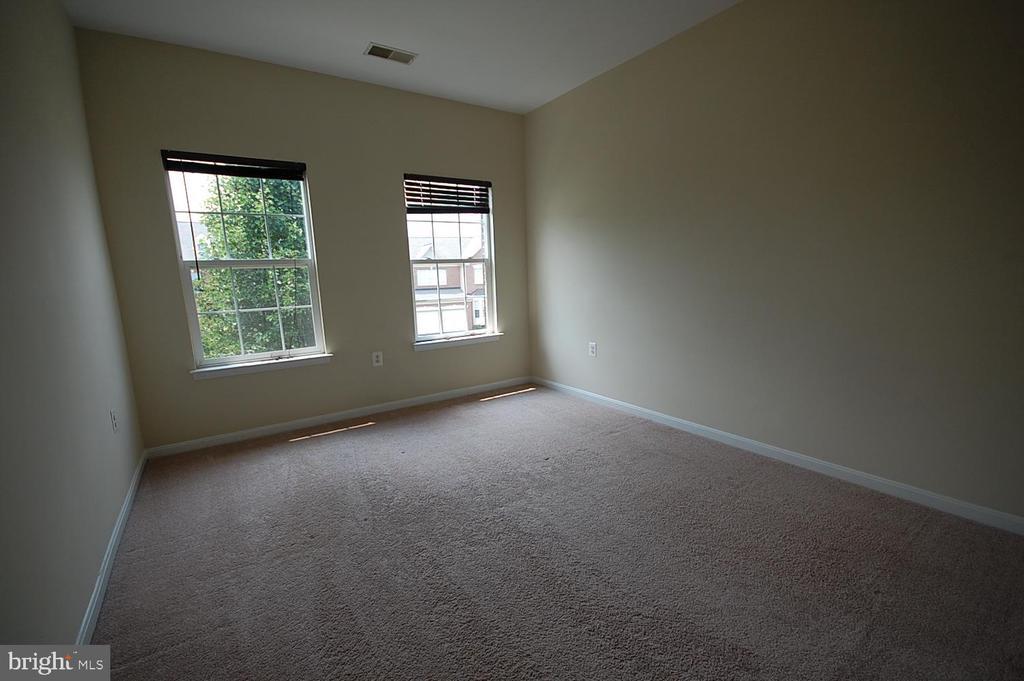 bedroom 4 - 106 ROY CT SE, LEESBURG