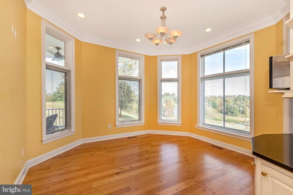 Sun-filled breakfast room with gorgeous views. - 10035 PEBBLE BEACH TER, IJAMSVILLE