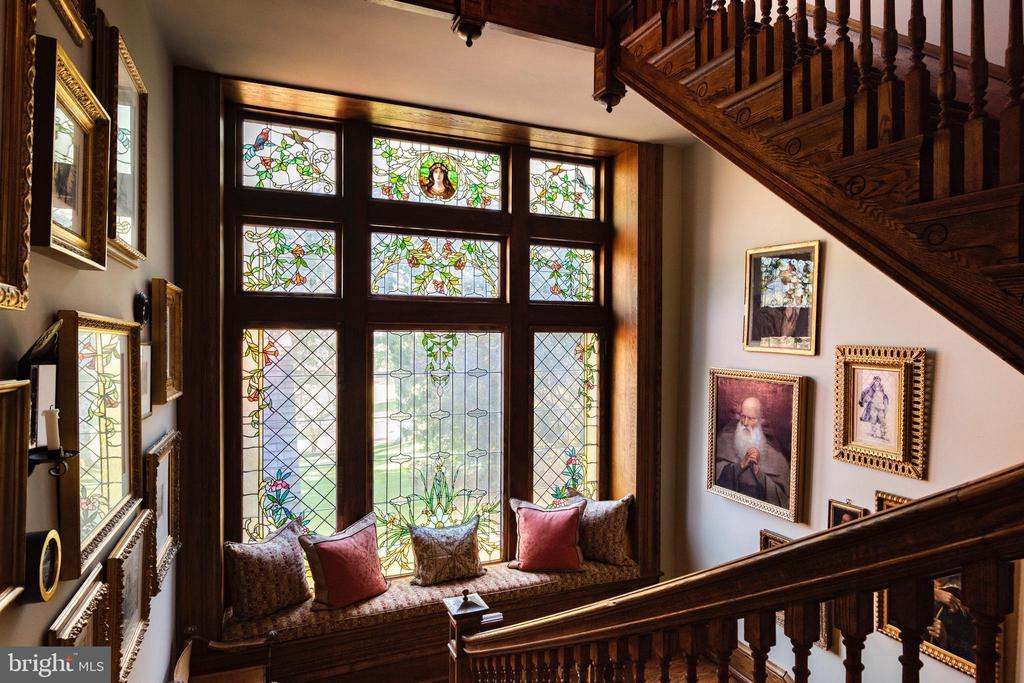 Three-story custom Tiffany windows - 8394 ELWAY LN, WARRENTON