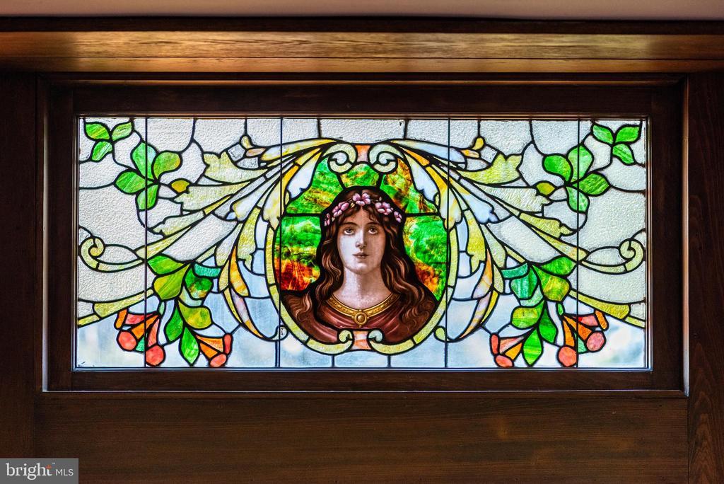3 stories of original, custom Tiffany glass - 8394 ELWAY LN, WARRENTON