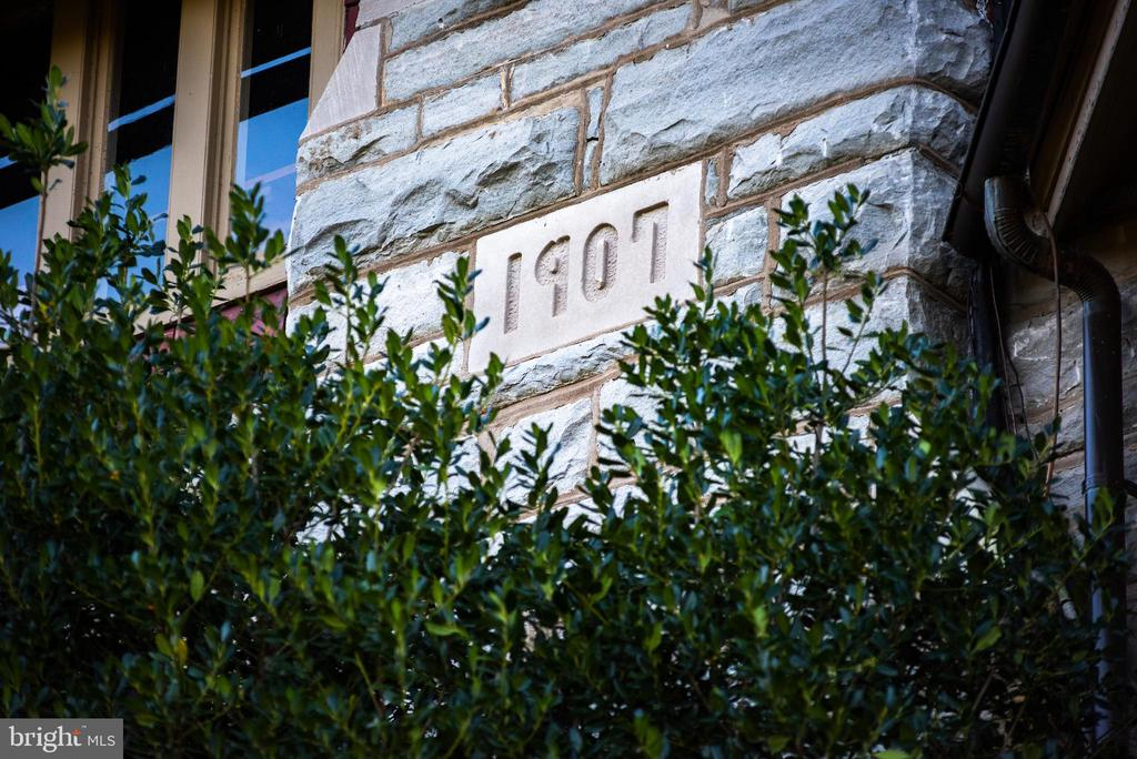 Final 1907 carved stone installed upon completion - 8394 ELWAY LN, WARRENTON