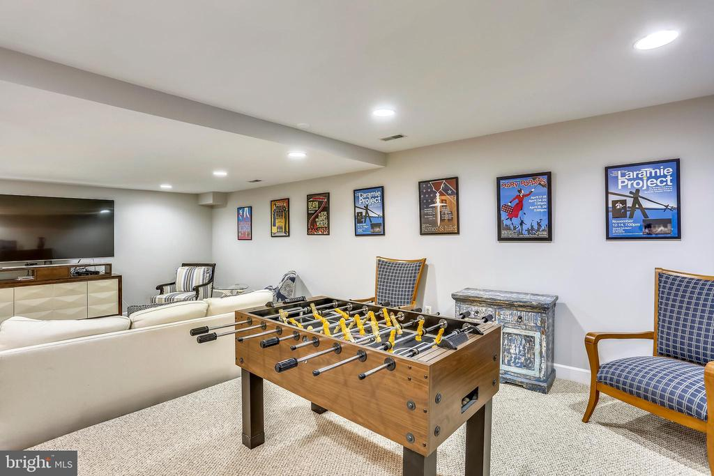 Game area are recreation room - 616 FIREHOUSE LN, GAITHERSBURG