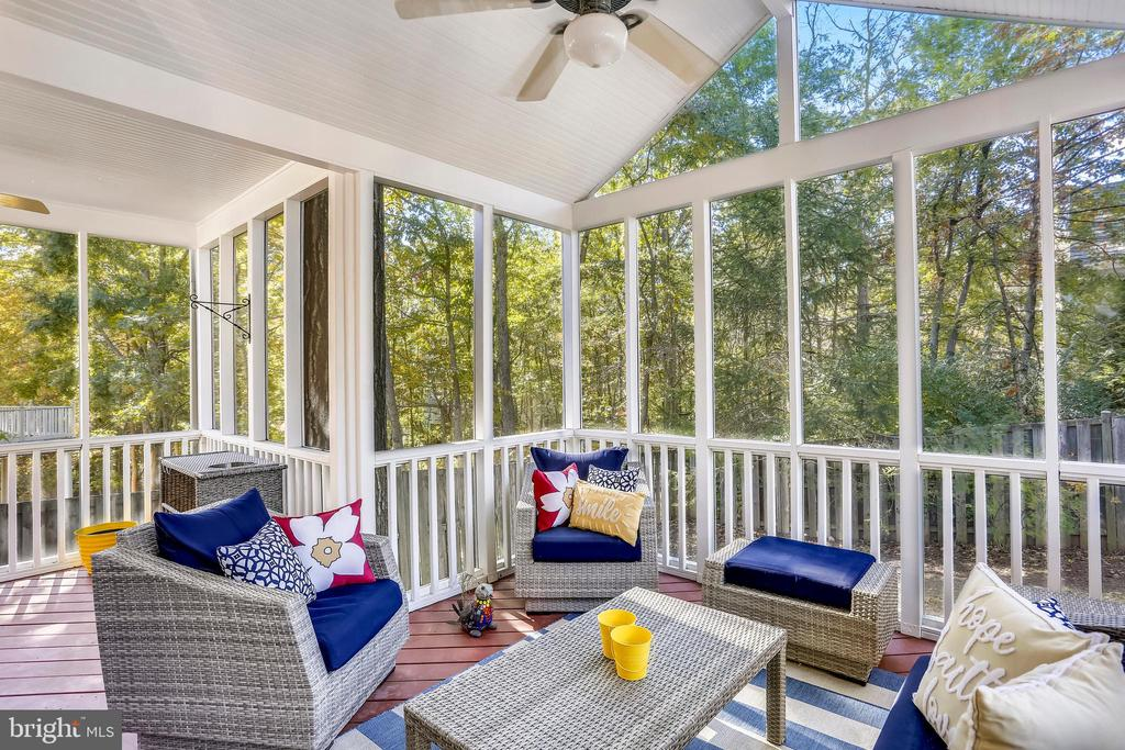 Screened porch addition with cathedral ceiling - 616 FIREHOUSE LN, GAITHERSBURG