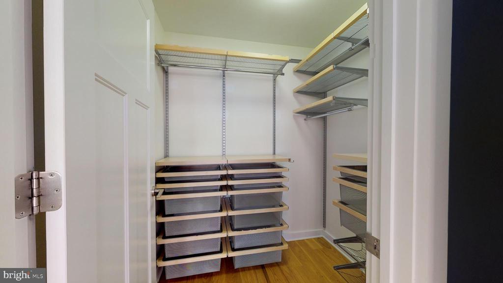 Walk In Closet With Custom Built-ins - 1610 N QUEEN ST #243, ARLINGTON