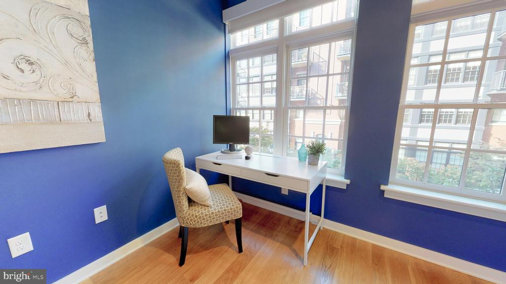 Plenty Of Room For Home Office Space With A View! - 1610 N QUEEN ST #243, ARLINGTON