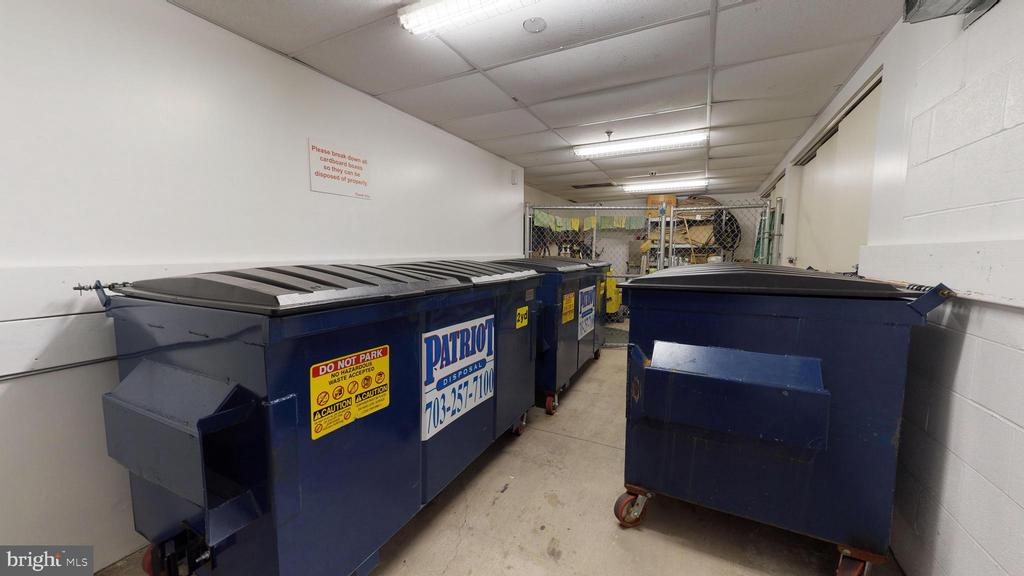 Convenient Trash/Recycling Collection In Garage - 1610 N QUEEN ST #243, ARLINGTON