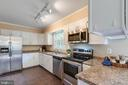 New Stainless Steel Appliances - 17970 GORE LN, LEESBURG