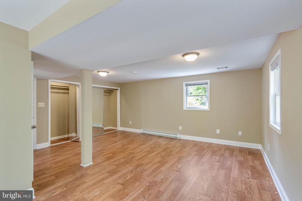Basement Bedroom with Plenty of Closet Space - 17970 GORE LN, LEESBURG