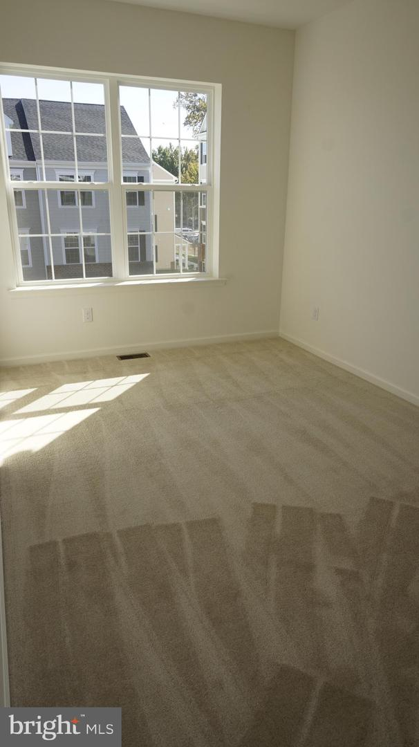 Additional photo for property listing at  Claymont, 特拉华州 19703 美国