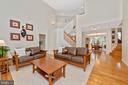 High celings and gleaming hardwoods - 9706 WOODLAKE PL, NEW MARKET
