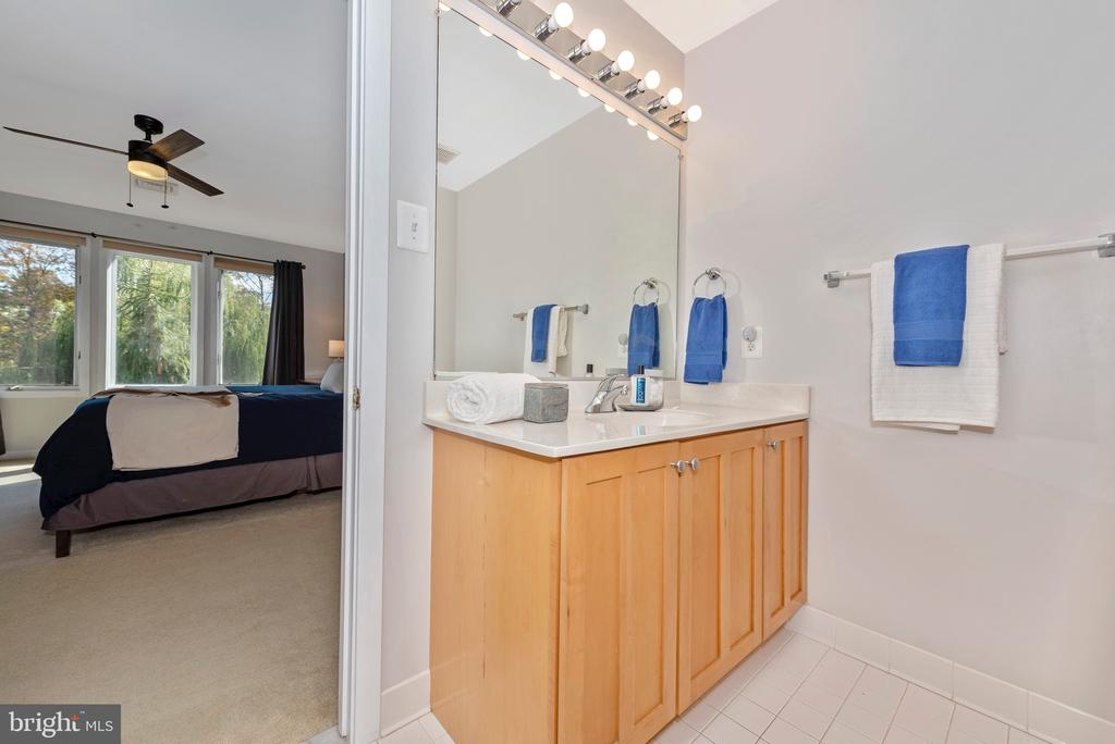 Ensuite connected bath - 9706 WOODLAKE PL, NEW MARKET