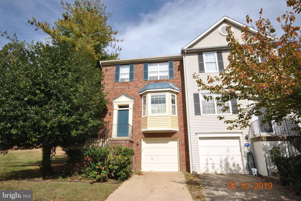 Brick Front End Home - 310 CROSSING RD, FREDERICKSBURG