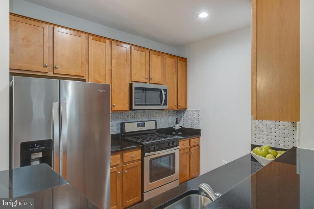 Mable Cabinets - 4850 EISENHOWER AVE #123, ALEXANDRIA