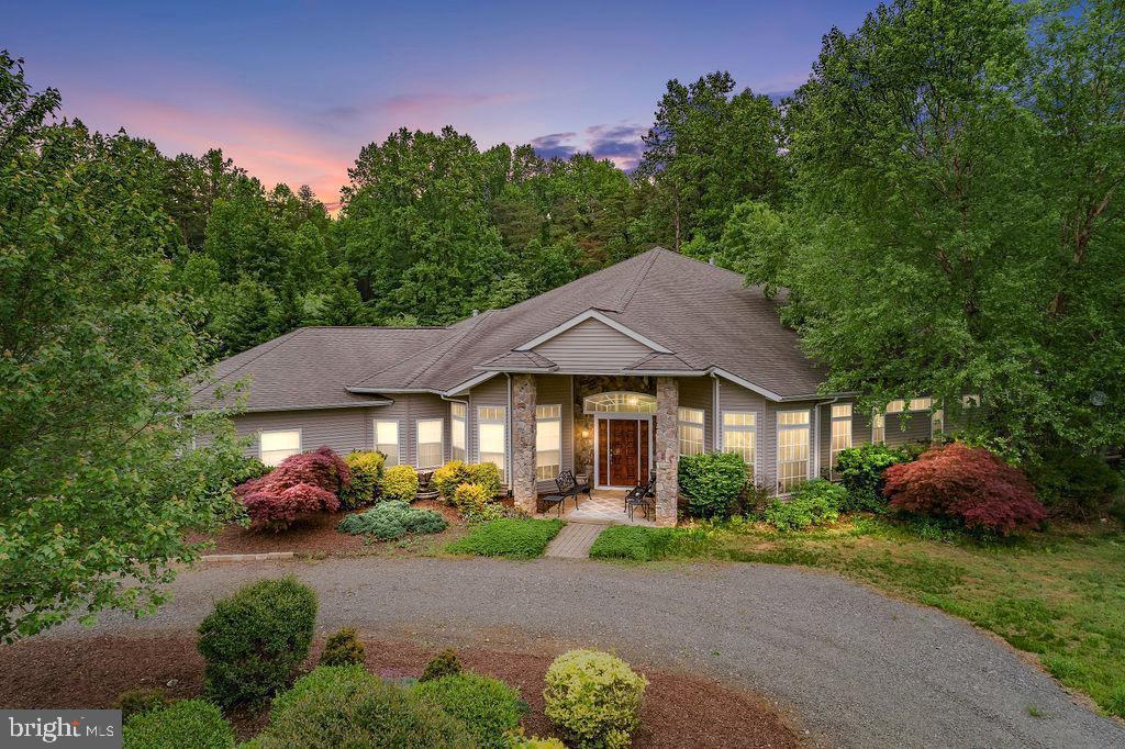 Single Family Homes 为 销售 在 阿米斯韦尔, 弗吉尼亚州 20106 美国