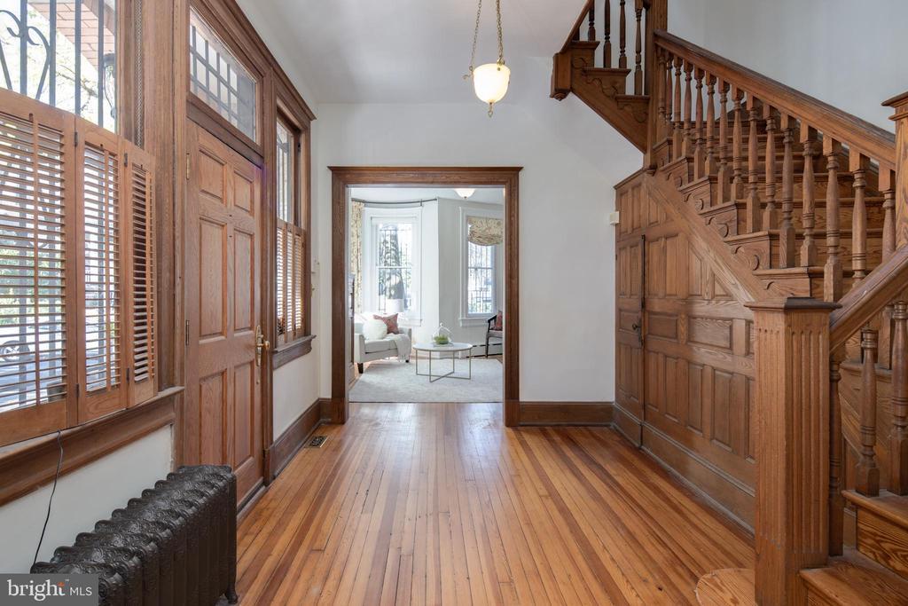 Foyer - 1667 MONROE ST NW, WASHINGTON