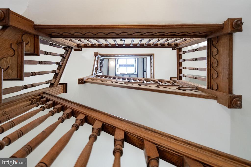 Stairs - 1667 MONROE ST NW, WASHINGTON