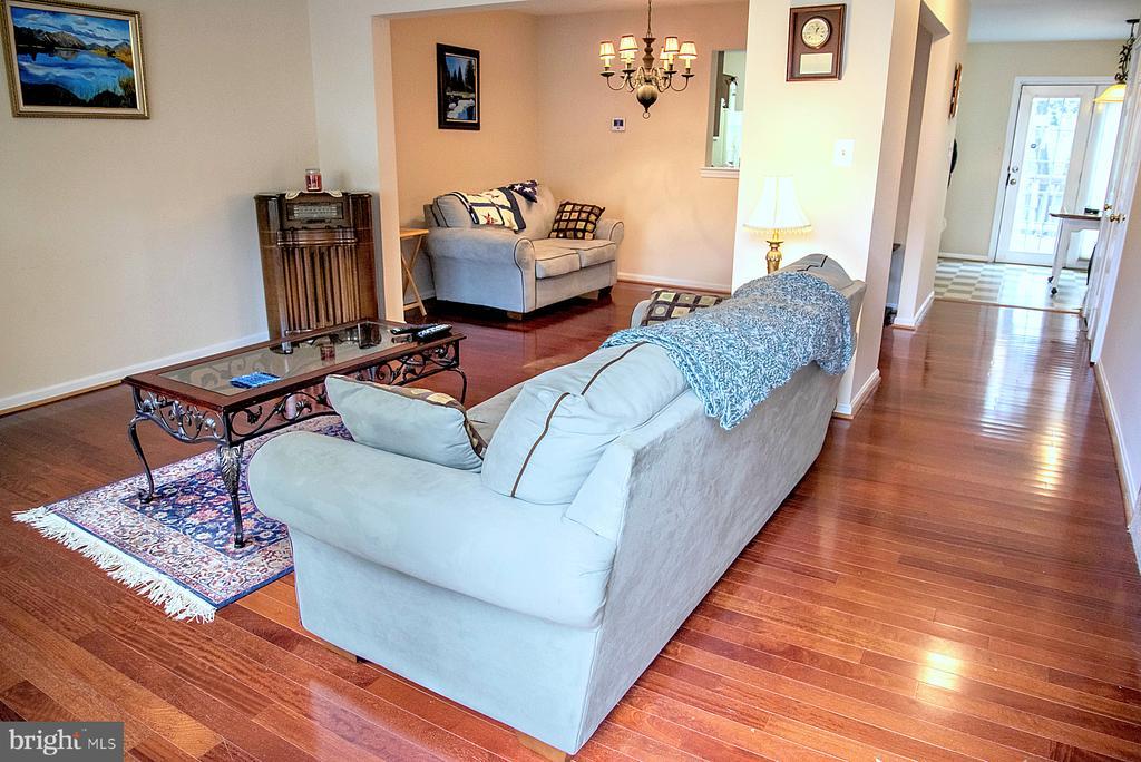 Living Room - 1023 SMARTTS LN NE, LEESBURG