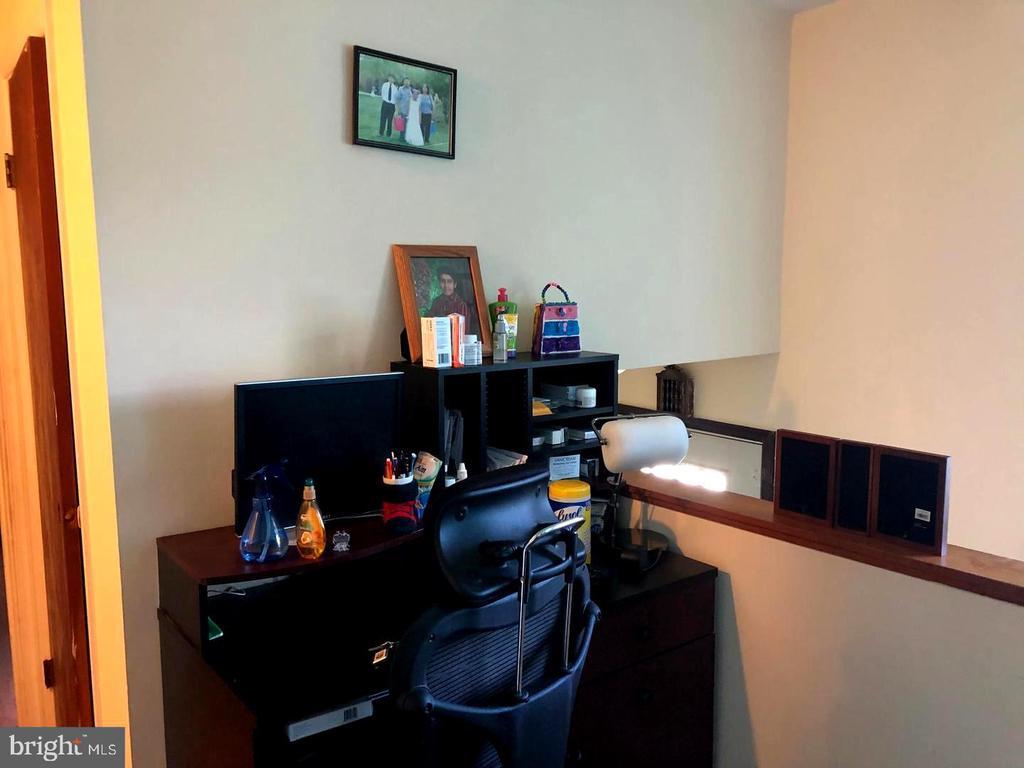 Living Room - 1272 CRONIN DR, WOODBRIDGE