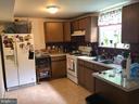 Kitchen - 1272 CRONIN DR, WOODBRIDGE