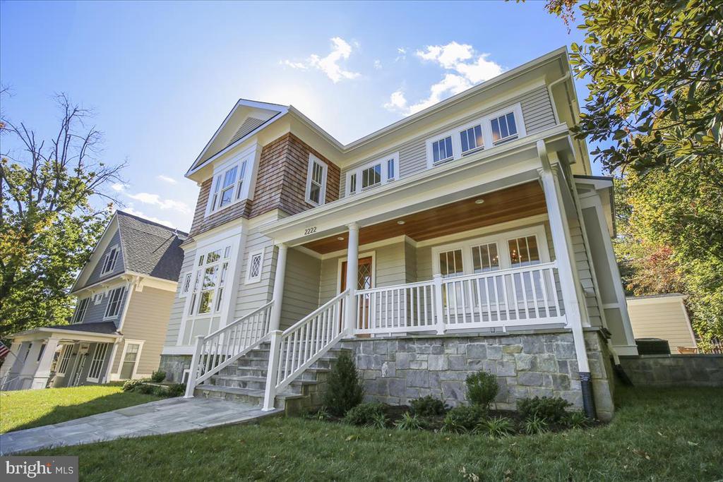 Custom-built home with stone foundation - 2222 KING ST, ALEXANDRIA