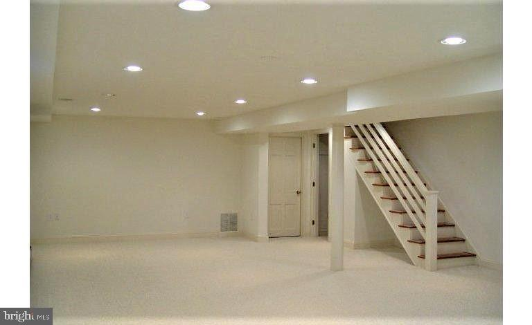 Finished basement for recreation, studio, media! - 18217 CANBY RD, LEESBURG