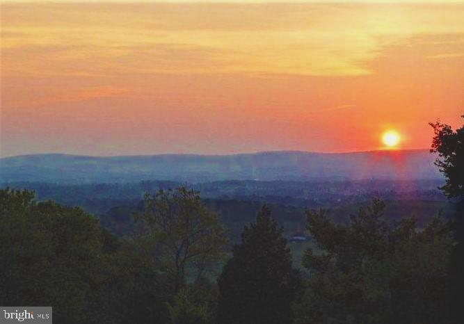 Breathtaking sunset vistas from porch/deck. - 18217 CANBY RD, LEESBURG