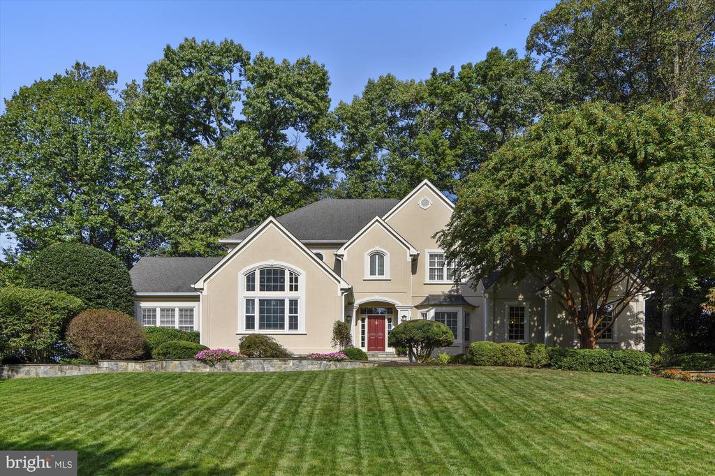 Executive Estate on Spectacular Premium Lot - 10680 ALLIWELLS CT, OAKTON