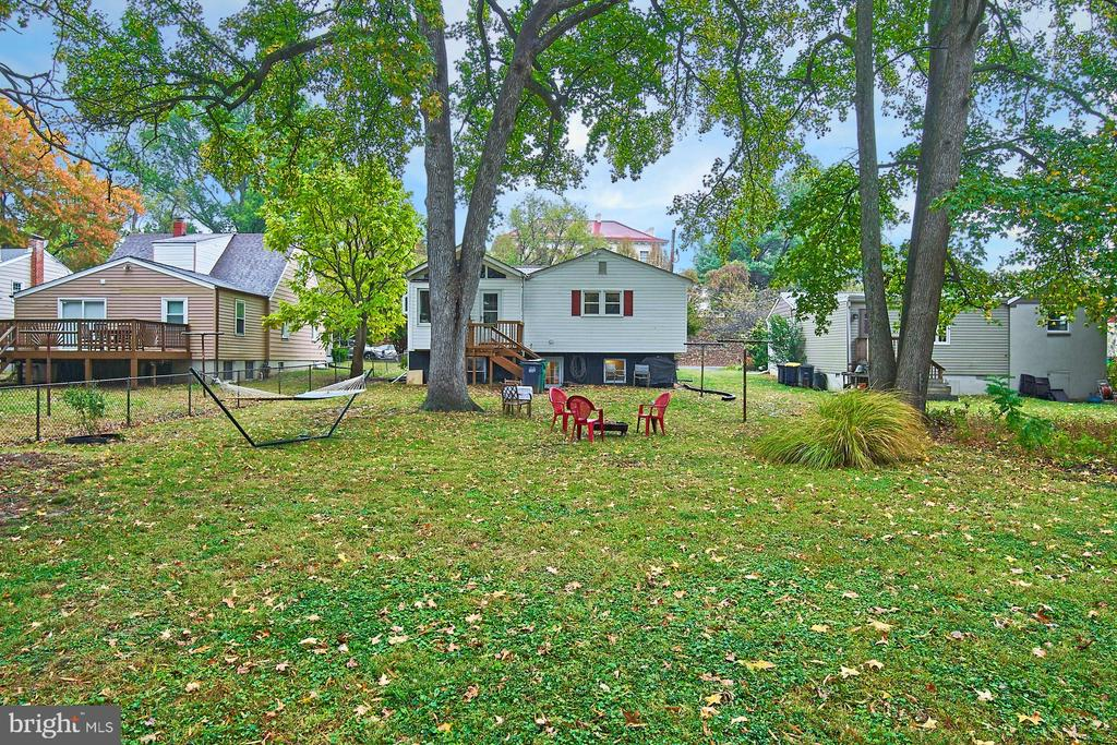 View of rear house from backyard - 4811 OGLETHORPE ST, RIVERDALE