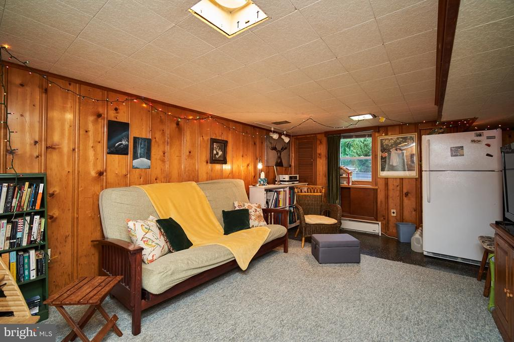 Family room/den on LL with extra fridge - 4811 OGLETHORPE ST, RIVERDALE