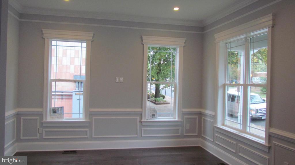 Living Room - Main Level - 2116 N CULPEPER ST, ARLINGTON
