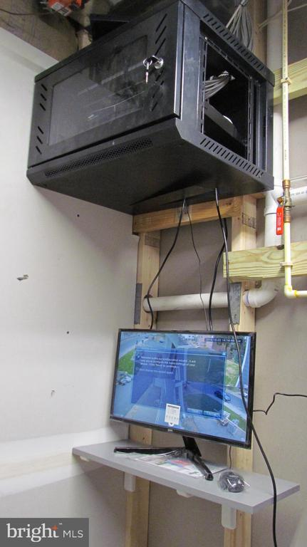 Utility Room with Surveillance Camera Monitors - 2116 N CULPEPER ST, ARLINGTON