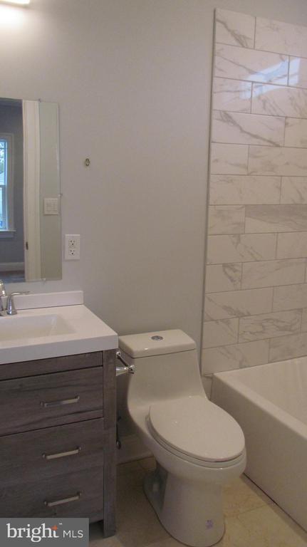 Bathroom 2 - Upper Level - 2116 N CULPEPER ST, ARLINGTON